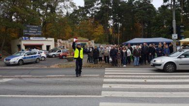 """Photo of Trwa akcja """"Znicz"""". Są patrole na cmentarzach i zmiany w ruchu"""