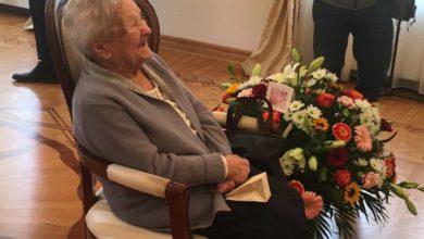 """Photo of """"Sto lat, sto lat, niech żyje, żyje nam…"""" już nie! Dla najstarszej zielonogórzanki zabrzmiało lat dwieście!"""