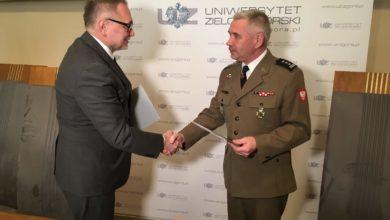 Photo of Uniwersytet Zielonogórski ramię w ramię z wojskiem!
