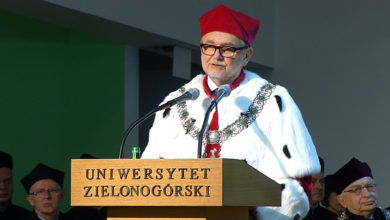 """Photo of """"Postęp jest niemożliwy bez zmiany"""" – powtórzył za G. B. Shawem prof. Tadeusz Kuczyński. Inauguracyjne przemówienie rektora UZ"""