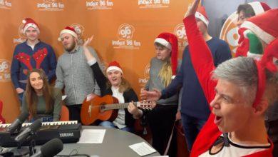 Photo of Wesołych Świąt! Śpiewająco wspólnie z AZS UZ!