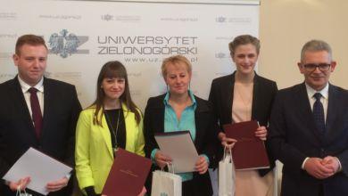 Photo of Sześciu wspaniałych z Uniwersytetu Zielonogórskiego. Studenci nagrodzeni stypendiami ministra