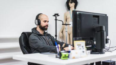 Photo of Jak rozmowa przy herbacie zmieniła muzyka w przedsiębiorcę – Tymoteusz Chwistek z Tutaj Studio