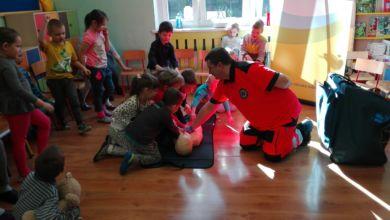 """Photo of Przedszkole Misia Uszatka """"ratuje"""" misie. Rosną przyszli medycy?"""