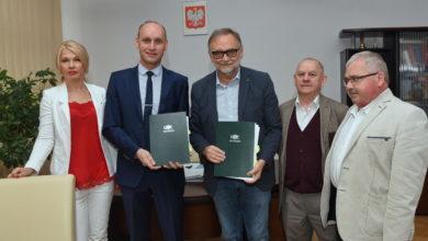 Photo of Podwójne dyplomy z filozofii i politologii! Umowa podpisana