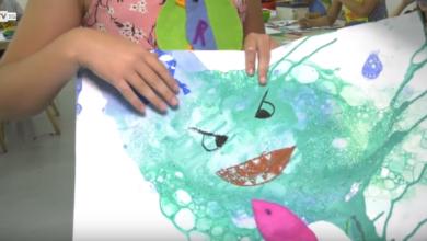 Photo of Obrazy z mydlanych baniek i kolory na wspak. Wakacyjne lekcje sztuki w BWA