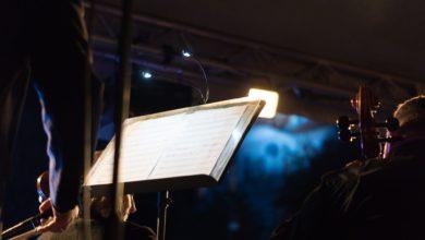Photo of Tłumy na placu przed filharmonią. Melomanów wśród zielonogórzan nie brakuje