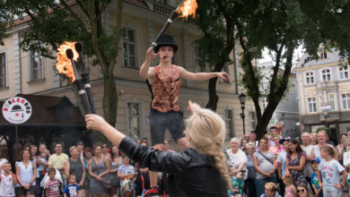 Photo of Artyści opanują deptak! Rusza BuskerBus