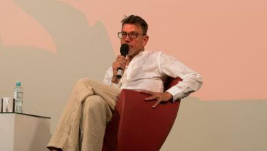 """Photo of """"A historii tego swetra…""""- tym razem u Agnieszki Holland. Rozmowa z Mirosławem Zbrojewiczem [Solanin Film Festival]"""