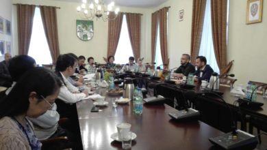 Photo of Chińczycy podziwiają Winobranie. Przyjechali z miasta partnerskiego Wuxi