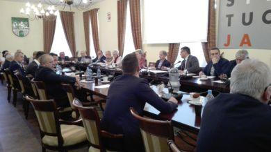 Photo of J. Rewers straci mandat radnego? Prezydent: to kwestia oświadczenia majątkowego. Jestem z tego wyłączony