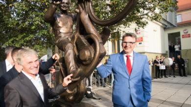 Photo of Prezydent o pomniku Huszczy: popełniliśmy jeden błąd