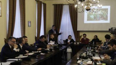 Photo of Radni zagłosowali. Miasto zostanie udziałowcem obu klubów