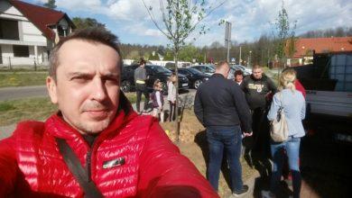 Photo of Radny i mieszkańcy wspólnie zasadzili drzewa