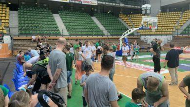 Photo of Kibice pożegnali się z koszykarzami. Teraz pytania o przyszłość