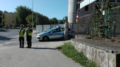 """Photo of """"Zebra"""" to nie miejsce do rajdów. Policjanci sprawdzają bezpieczeństwo na pasach"""