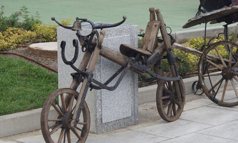 Photo of Artystom na Winobraniu skradziono… drewniany rower. Widziałeś go?