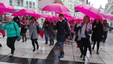 Photo of Parasolki w górę! Lubuszanki przypominają o profilaktyce raka piersi