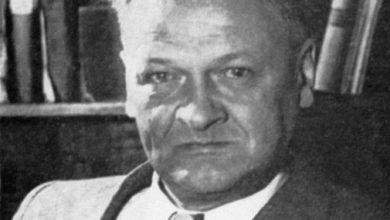 """Photo of """"Wkurza mnie wypychanie lewicowych patronów"""". Zielonogórska podstawówka bez Broniewskiego"""