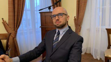 Photo of Paweł Zalewski już oficjalnie w radzie. Czym zajmie się społecznik?