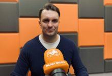 Photo of Łukasz Mejza przeprasza za plakaty wyborcze
