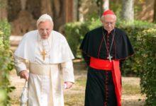 """Photo of Papieski pojedynek – """"Dwóch papieży"""" [FILMOPOLIS]"""