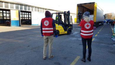 Photo of Ciężarówka darów wjechała do Zielonej Góry. Oddział PCK przyjął środki higieniczne