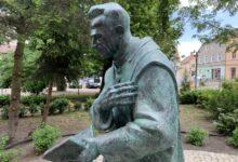 Photo of Zobacz pomnik ks. Kazimierza Michalskiego [ZDJĘCIA]
