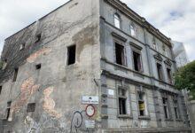 Photo of Kamienica na Pieniężnego popadała w ruinę. Po remoncie znów będzie do użytku