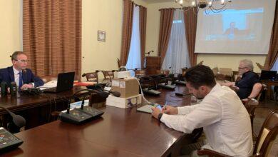 Photo of Awaria na sesji, ale uchwały były podjęte. Co dalej ze zdalnymi obradami?