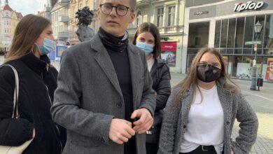 """Photo of Młodzież Wszechpolska o demonstracjach przy kościołach: """"to nie jest odpowiednie miejsce"""""""