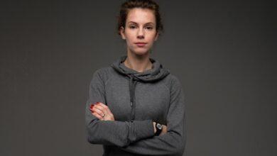 Photo of Bluzy damskie z kapturem? A może sweter? Decyzja wcale nie jest prosta