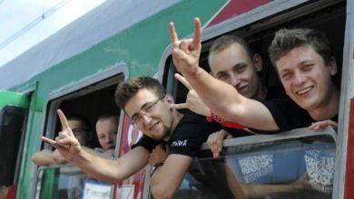 Photo of Jedzie pociąg z daleka, na woodstockowiczów czeka! Dodatkowe składy do Kostrzyna